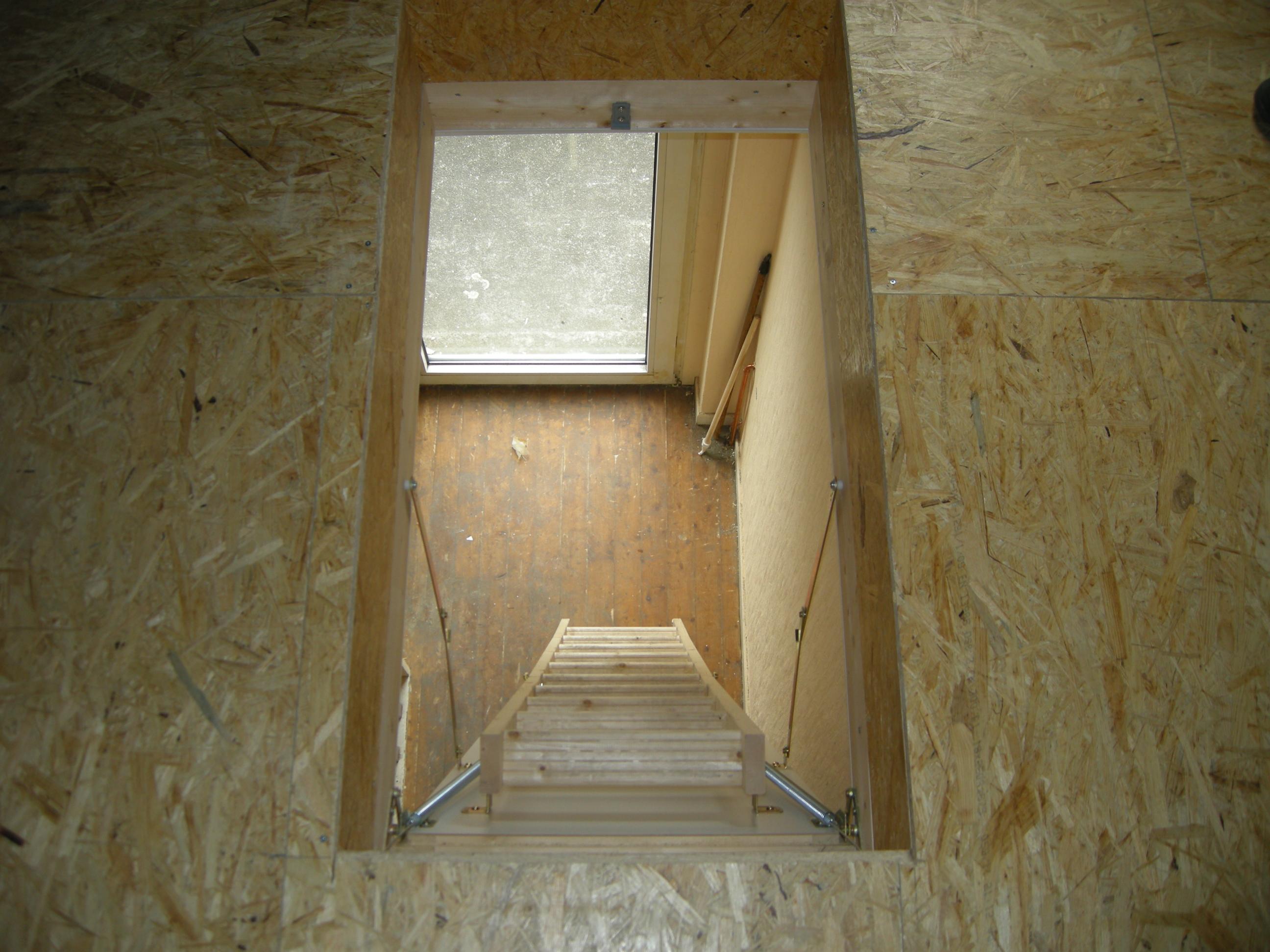 Gedämmter begehbarer Dachboden